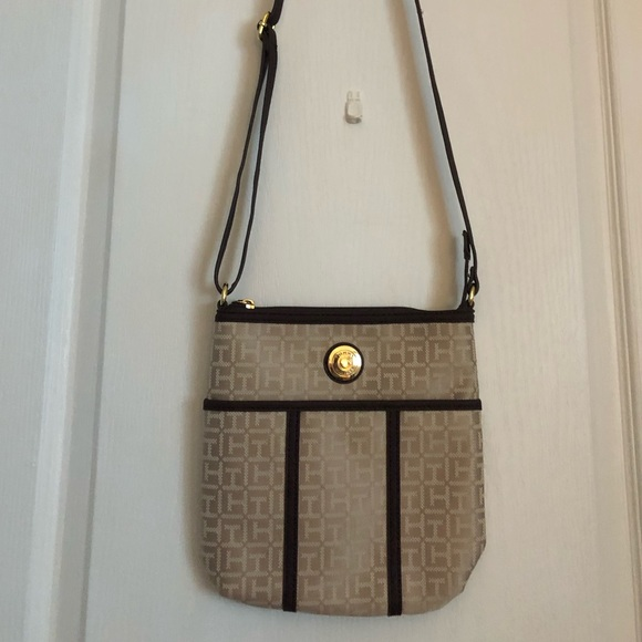 Tommy Hilfiger Handbags - Tommy Hilfiger purse BRAND NEW